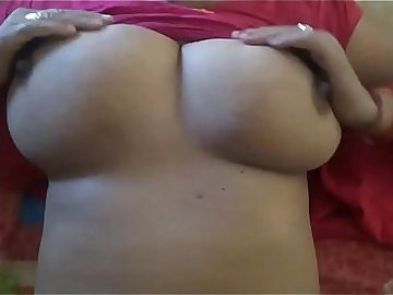 1~ Indian Suman bhabhi playing her big watermelon 720p