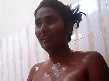 Swathi Naidu Shower Video - FuckMyIndianGF.com